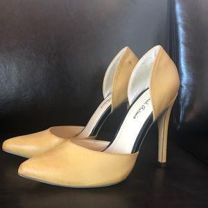 "Never worn stylish 4 "" heels"